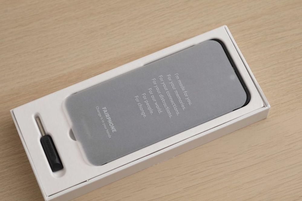 Le Fairphone 3+ et son tournevis