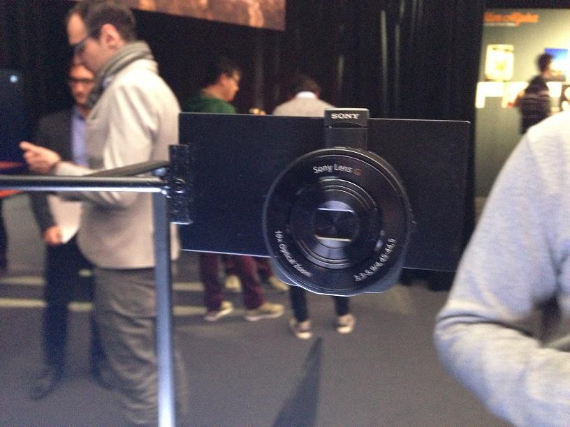 objectif Sony QX10