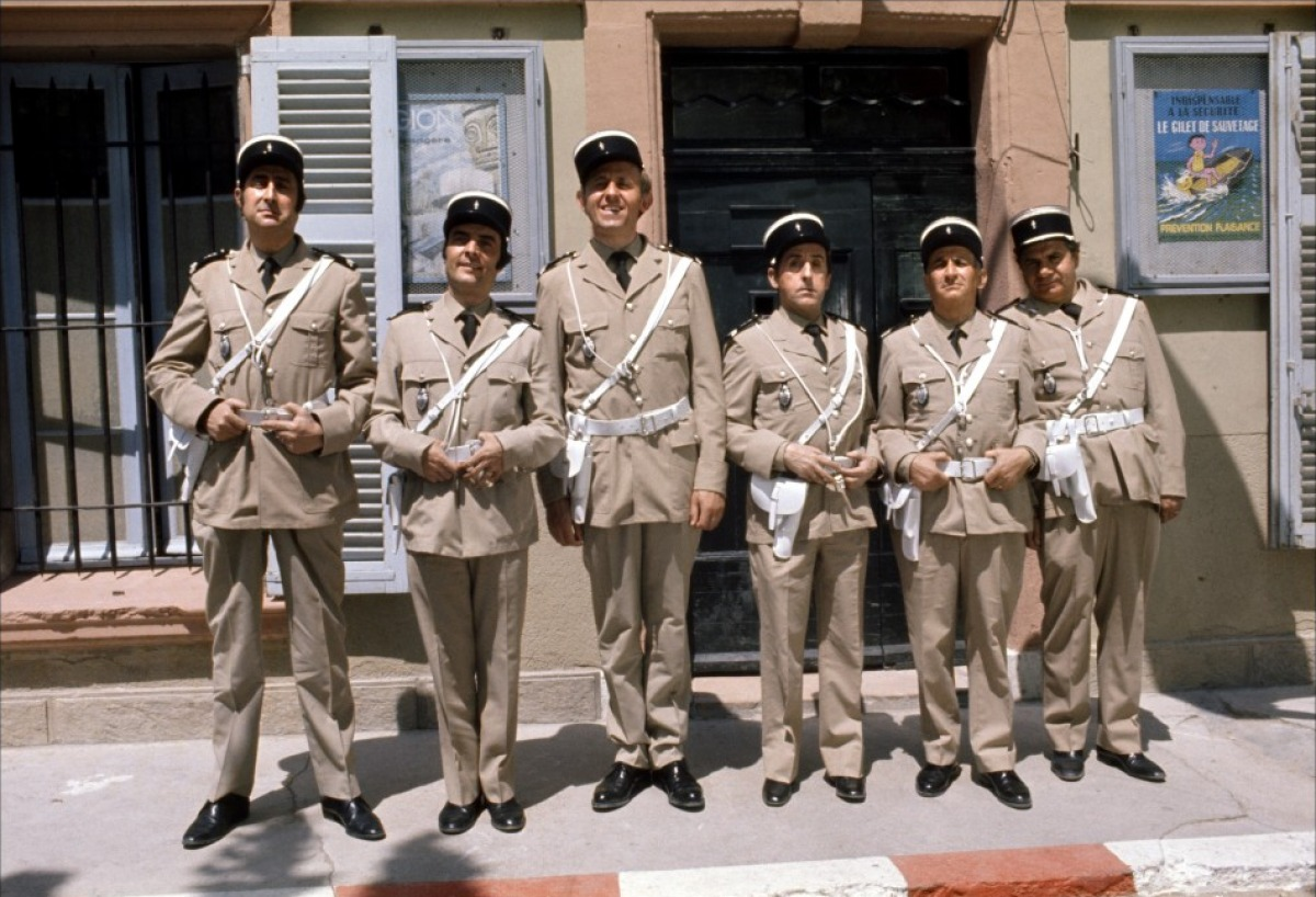 les-gendarmes-à-saint-tropez-wallpaper.jpg
