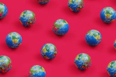 Leroaming_International_Globes_Pattern_HD(1).jpg